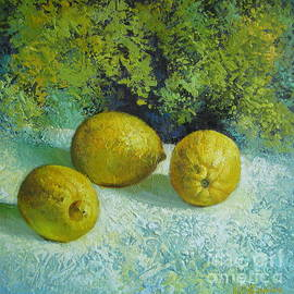 Elena Oleniuc - Three lemons