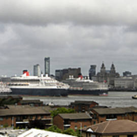 Three Queens on the Mersey