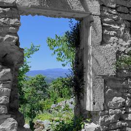 Patrick Jacquet - Through the stone window