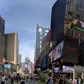 Dave Beckerman - Times Square 180 Degrees
