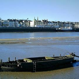 Richard Brookes - Torridge Boat Wreck