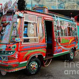 Imran Ahmed - Traditionally decorated Pakistani bus art Karachi Pakistan