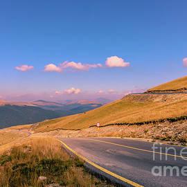 Claudia M Photography - Transalpina mountain road 1