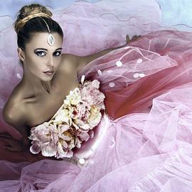 Murgia Cinzia - Triumph Pink
