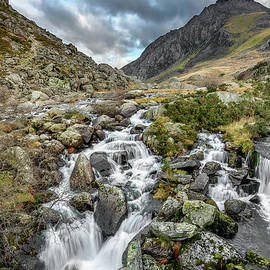Adrian Evans - Tryfan and Ogwen River
