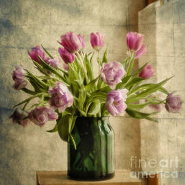 Maria Bobrova - Tulips 2