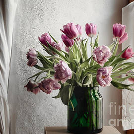Maria Bobrova - Tulips