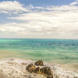 Yves Gagnon - Tulum Beach Mexico