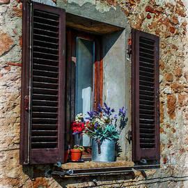Hanny Heim - Tuscan Window