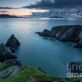 Brian Jannsen - Twilight over Dunquin Harbor