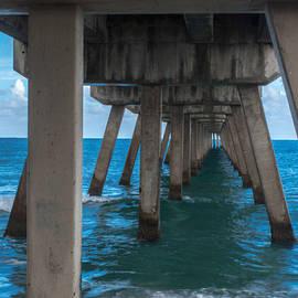 Arlene Carmel - Under The Pier