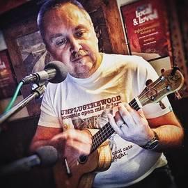 Chris Nevard - #unplugthewood #ukulele #uke #ukeplayer