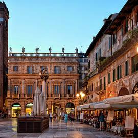 Verona - Piazza Delle Erbe - Joachim G Pinkawa