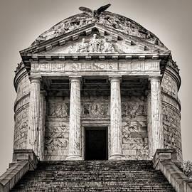 Stephen Stookey - Vicksburg - Illinois Memorial in Black and White