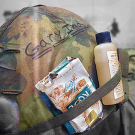 Thomas Woolworth - Vietnam A Pack Of Cools From Gary IND