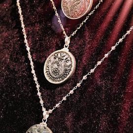 Kasia Bitner - Vintage Jewelry