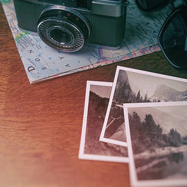 Vintage Photo Camera and Prints - Carlos Caetano