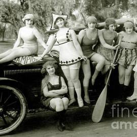 Vintage Pin up Girls - Jon Neidert