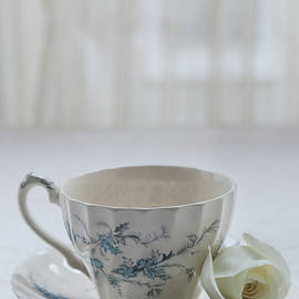 Kim Hojnacki - Vintage Teacup and Rose
