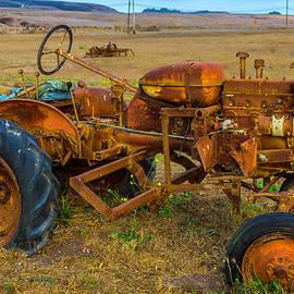 Vintage tractor - Garry Gay