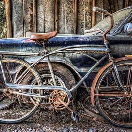 Debra and Dave Vanderlaan - Vintage Transportation