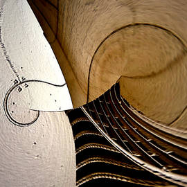 Irma BACKELANT GALLERIES - Violin In Abstract