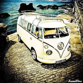 "Ant Jones - Vw Camper ""a Day At The Beach"""