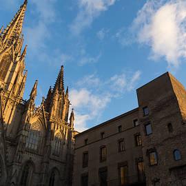 Georgia Mizuleva - Warm Sun Glow On The Cathedral Of Barcelona