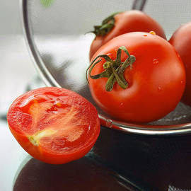 Taras Lesiv - Washed tomatoes