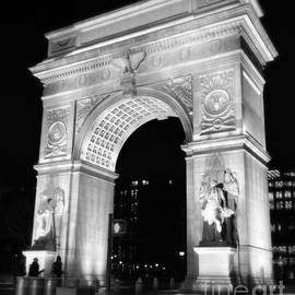 Miriam Danar - Washington Square Arch - New York Miracle in Marble
