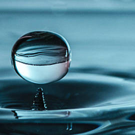 Bruce Pritchett - Water drop with milk