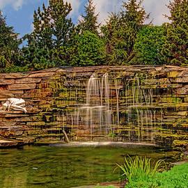 Geraldine Scull - Water Fountain