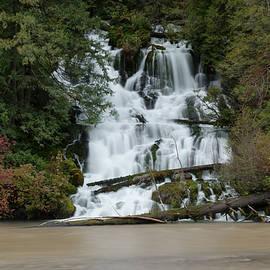 Jeff Swan - Waterfall flowing into the Klickatat river