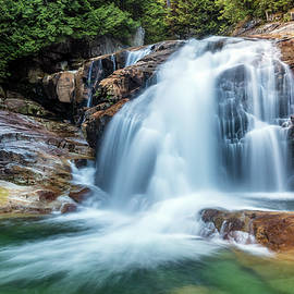 Pierre Leclerc Photography - Waterfall in Golden Ears