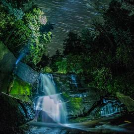 Hunter Ward - Waterfall Wonderer
