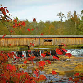 Reid Callaway - Watson Mill Covered Bridge Autumn
