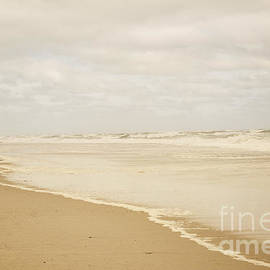 Waves Along the Shoreline - Juli Scalzi