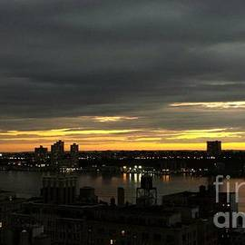 Miriam Danar - West Side at Sunset - Beauty of the Hudson