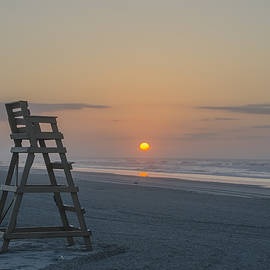 Bill Cannon - Wildwood Crest Sunrise on the Beach