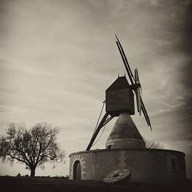 Hugh Smith - Windmill Loire Valley
