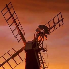 Valerie Anne Kelly - Windmill silhouette