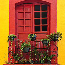 Elena Elisseeva - Window on Mexican house