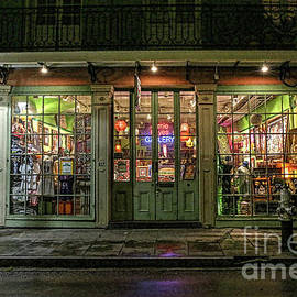 Felix Lai - Window Shopping, French Quarter, New Orleans