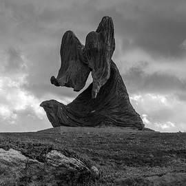 Kobi Amiel - Woman In The Wind - Statue By Ilana Gur