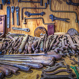 Debra and Dave Vanderlaan - Wrenches Galore