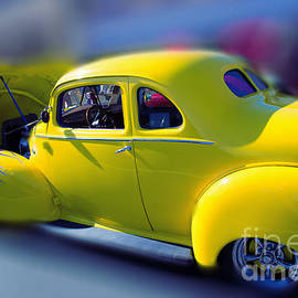 Beverly Guilliams - Yellow 1940 Hudson