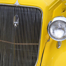 GK Hebert Photography - Yellow Plymouth Grill