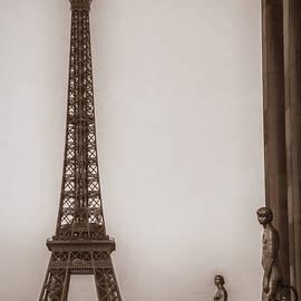 Yesteryear Eiffel - Andrew Soundarajan