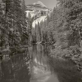 Denise Dube - Yosemite Hike  Pictorial