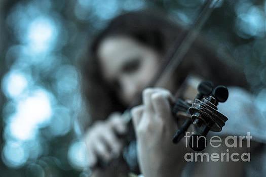 Violin girl by John Jamriska